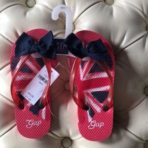 GAP Union Jack flip flops with bow 💜 size 10/11
